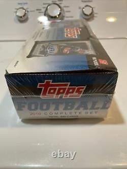 2010 Topps Complete Set NFL Football Cards Box withBrady Patch Card-Factory Sealed